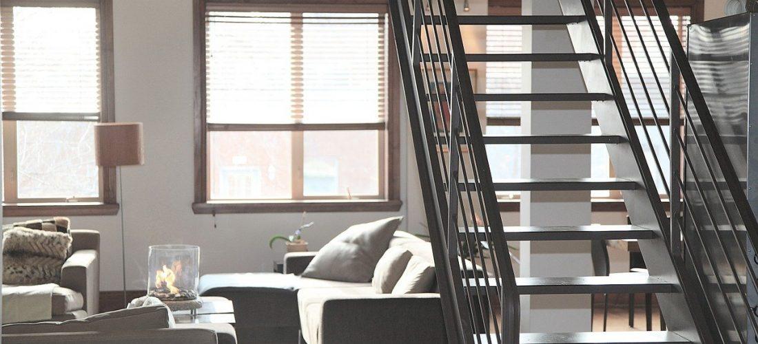 Jak ze strychu zrobić użytkowe miejsce?