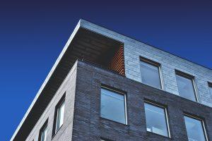Dom typu kostka polska – ceny nieruchomości i ubezpieczenia